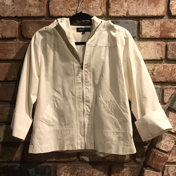 Jones New York Jackets & Blazers - JONES NEW YORK faux leather look white jacket